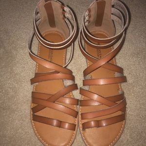 Brown strappy American Eagle sandals